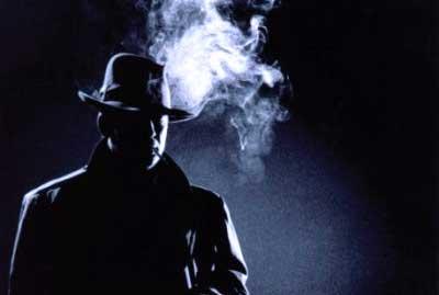 detective-smoking