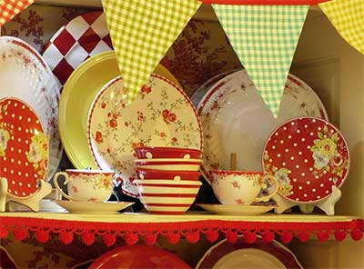 colorful-dishes