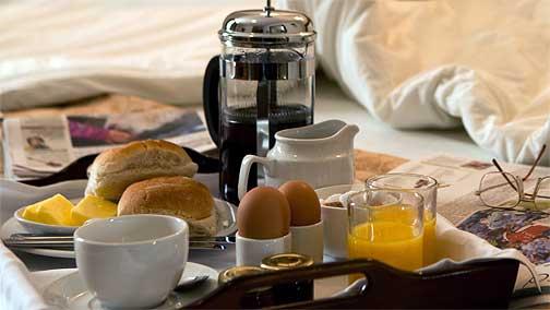 breakfast-on-bed