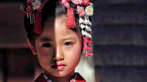 little-girl-in-kimono