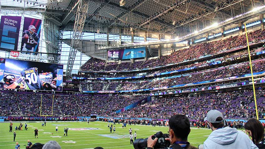 Christmas Gifts for Sports Fans - Super-Bowl-LII